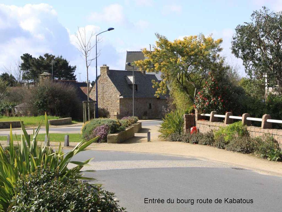 Entrée du bourg route de Kabatous