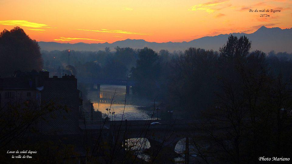 Lever de soleil depuis la ville de Pau