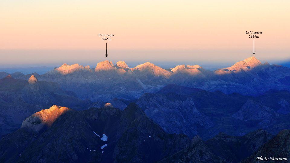 Le Visaurin 2669m Pic d'Aspe 2645m . . . . . . . . .