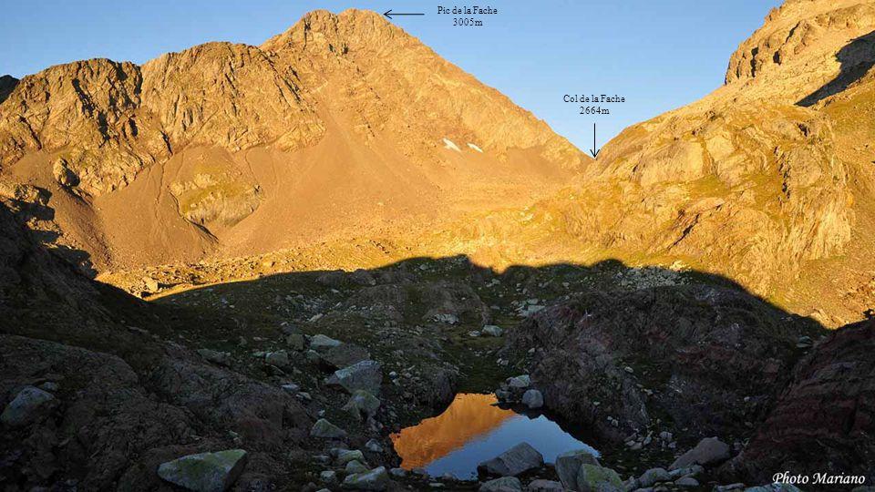Pic de la Fache 3005m Col de la Fache 2664m . . . . . . . . .