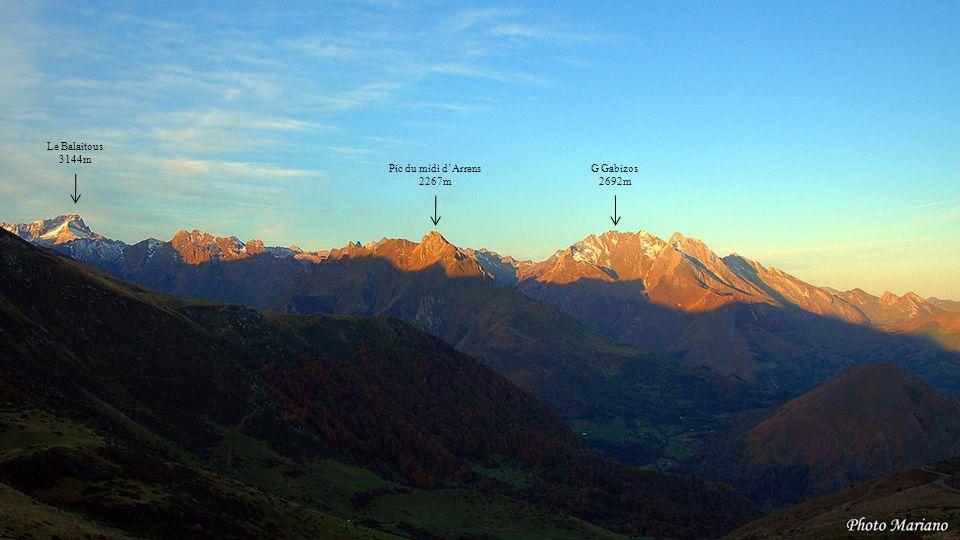 Le Balaitous 3144m Pic du midi d'Arrens 2267m G Gabizos 2692m . . . .