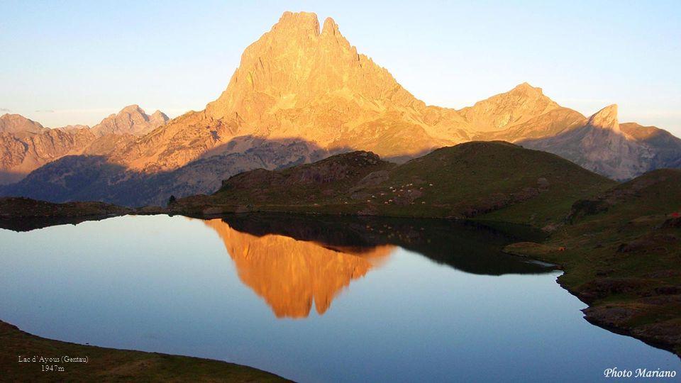 . . . . . . Lac d'Ayous (Gentau) 1947m . . .
