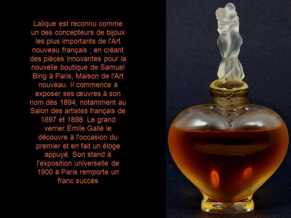 Lalique est reconnu comme un des concepteurs de bijoux les plus importants de l Art nouveau français ; en créant des pièces innovantes pour la nouvelle boutique de Samuel Bing à Paris, Maison de l Art nouveau.
