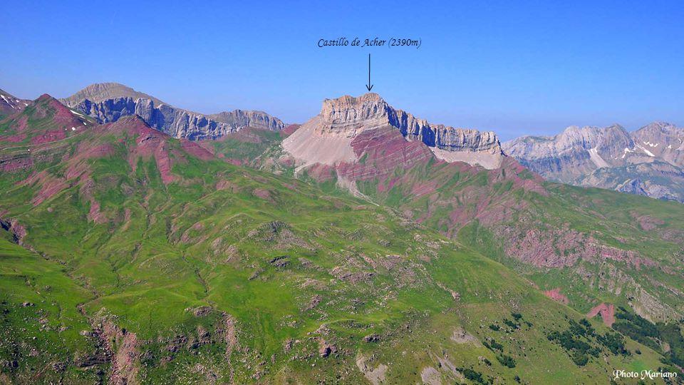 Castillo de Acher (2390m) . . . . . . . .