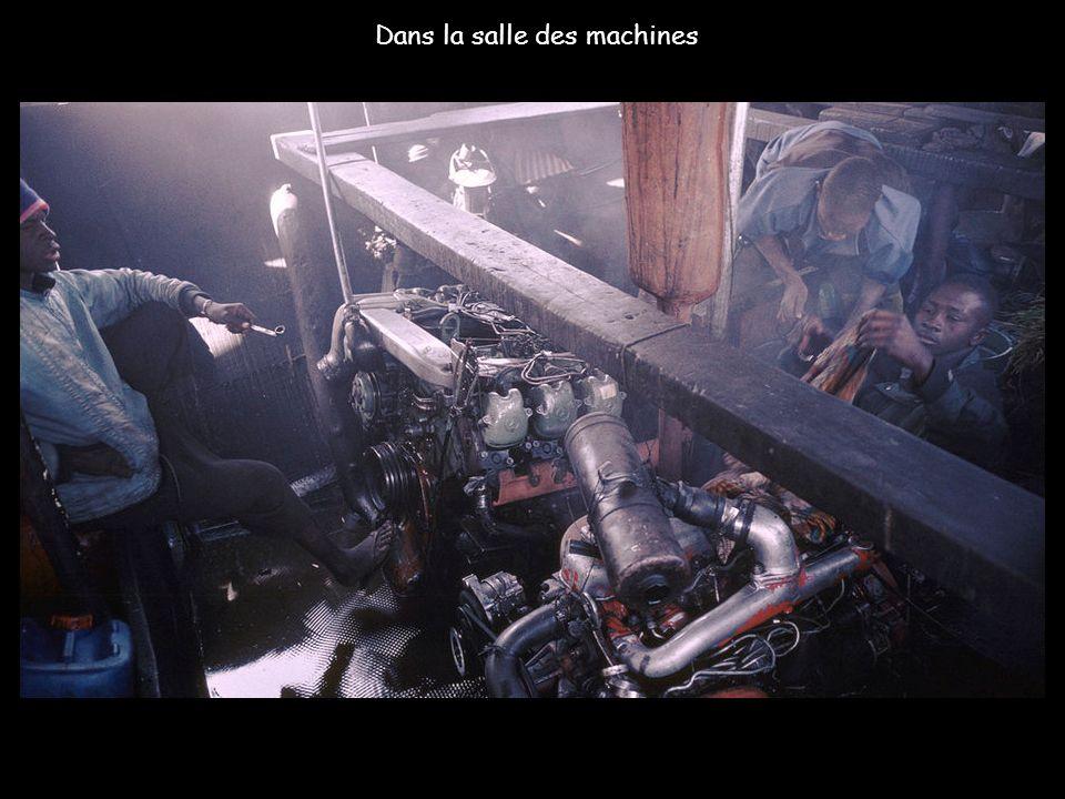 Dans la salle des machines