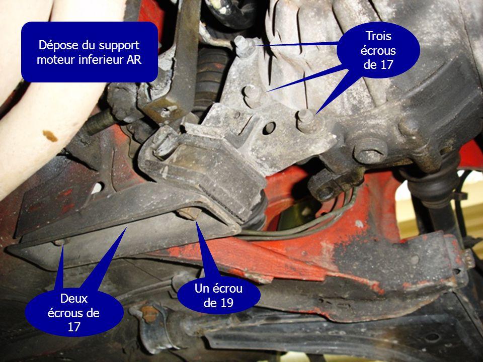 Dépose du support moteur inferieur AR