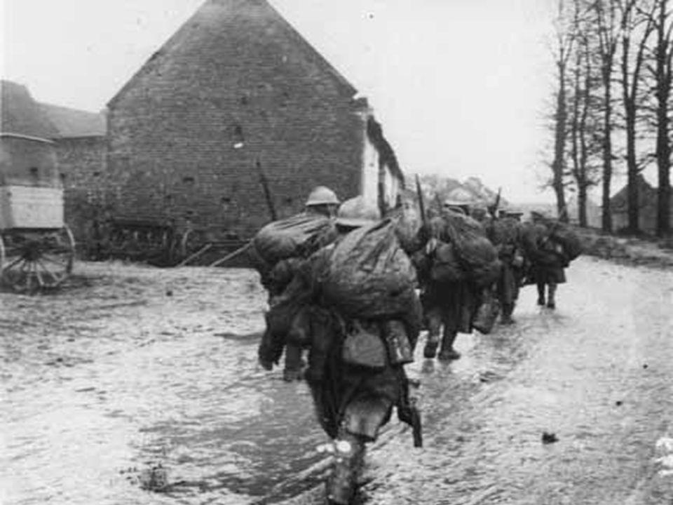 23 août Le Japon, allié de l Angleterre, déclare la guerre à l Allemagne dont il revendique les concessions chinoises.