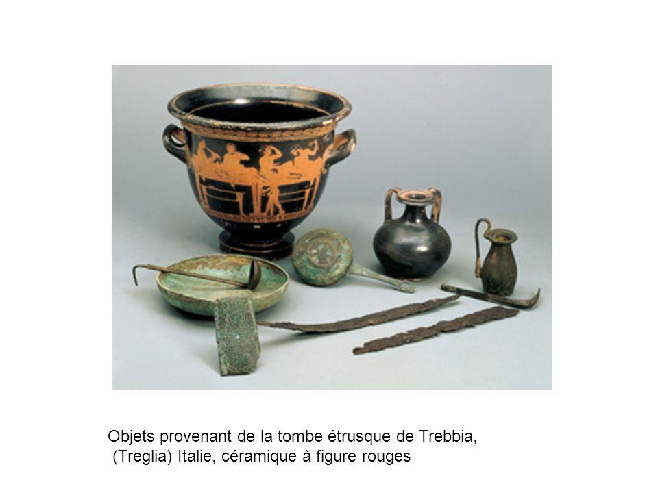 Objets provenant de la tombe étrusque de Trebbia,