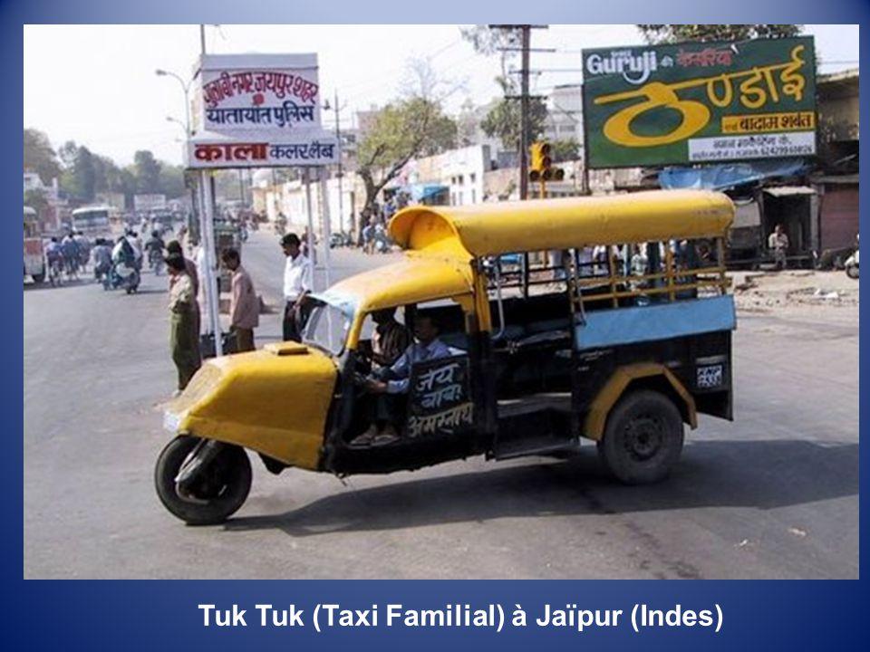 Tuk Tuk (Taxi Familial) à Jaïpur (Indes)
