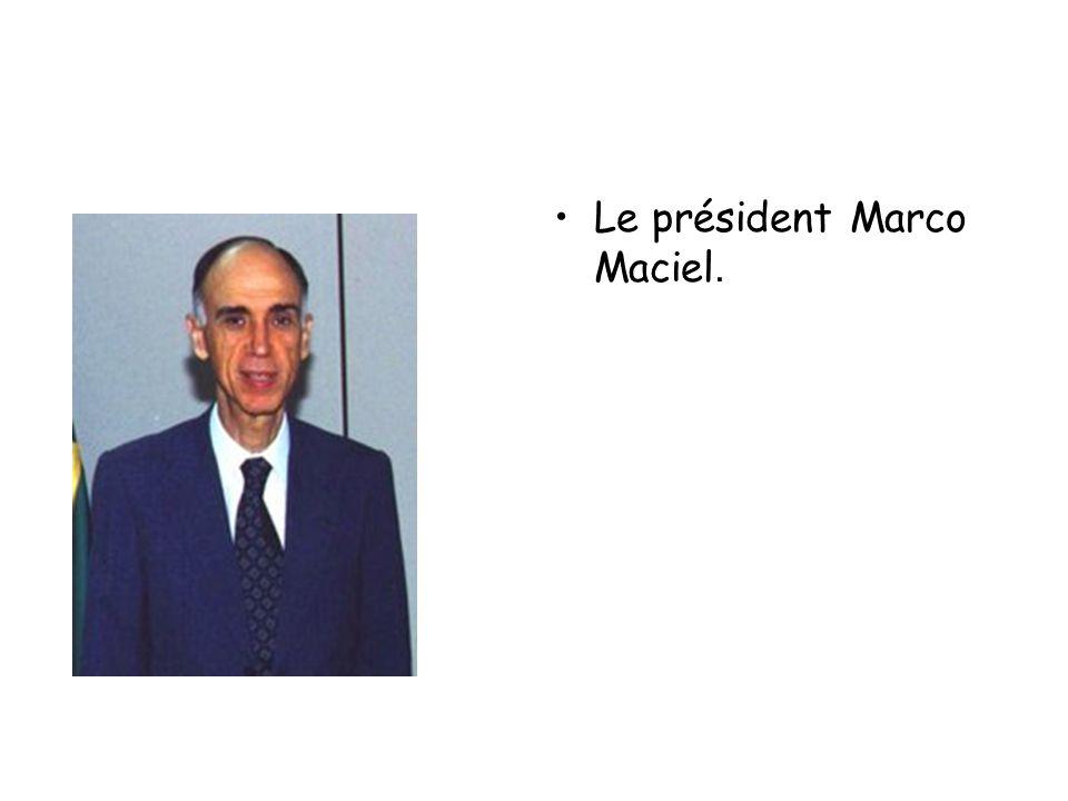 Le président Marco Maciel.