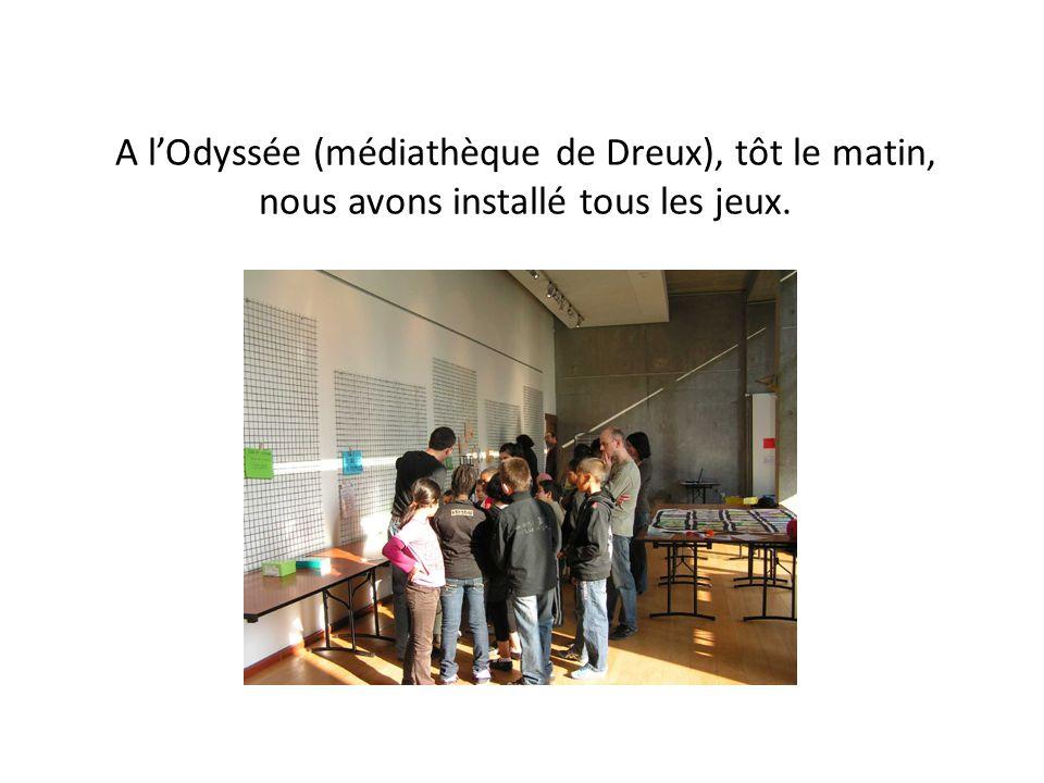 A l'Odyssée (médiathèque de Dreux), tôt le matin, nous avons installé tous les jeux.