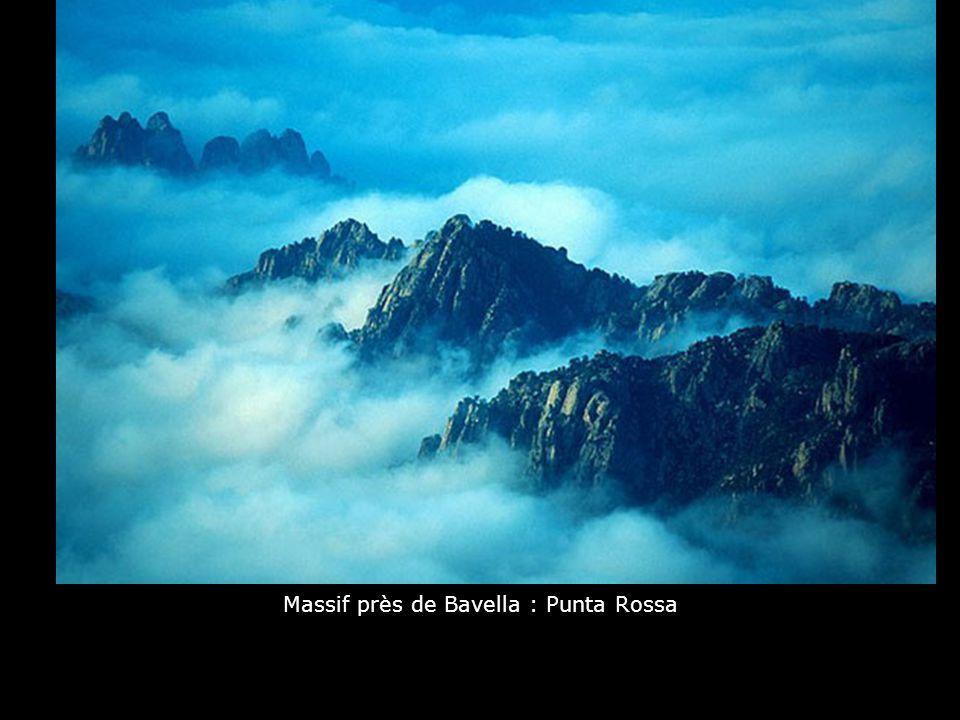 Massif près de Bavella : Punta Rossa
