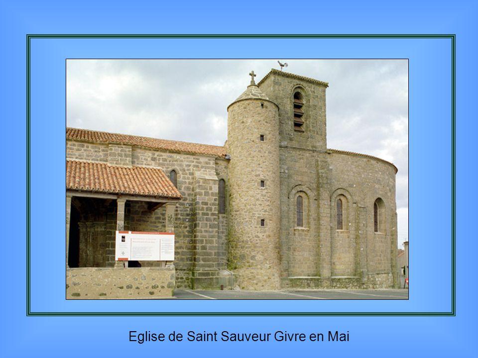 Eglise de Saint Sauveur Givre en Mai