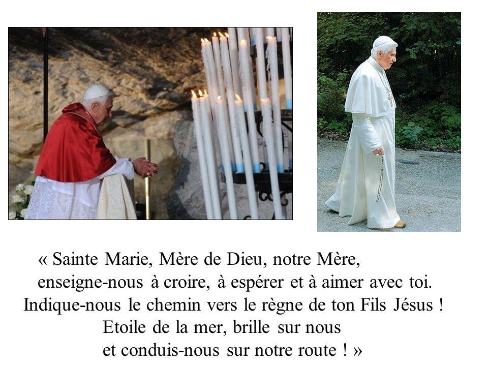 « Sainte Marie, Mère de Dieu, notre Mère, enseigne-nous à croire, à espérer et à aimer avec toi.