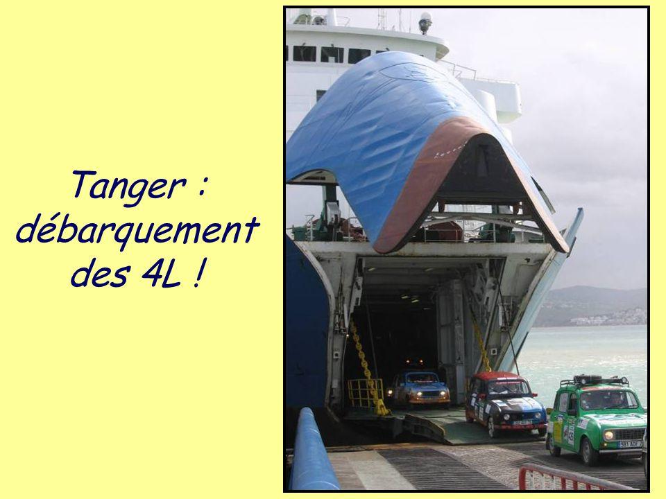 Tanger : débarquement des 4L !