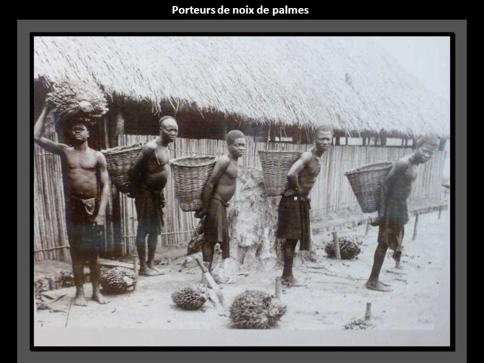 Porteurs de noix de palmes