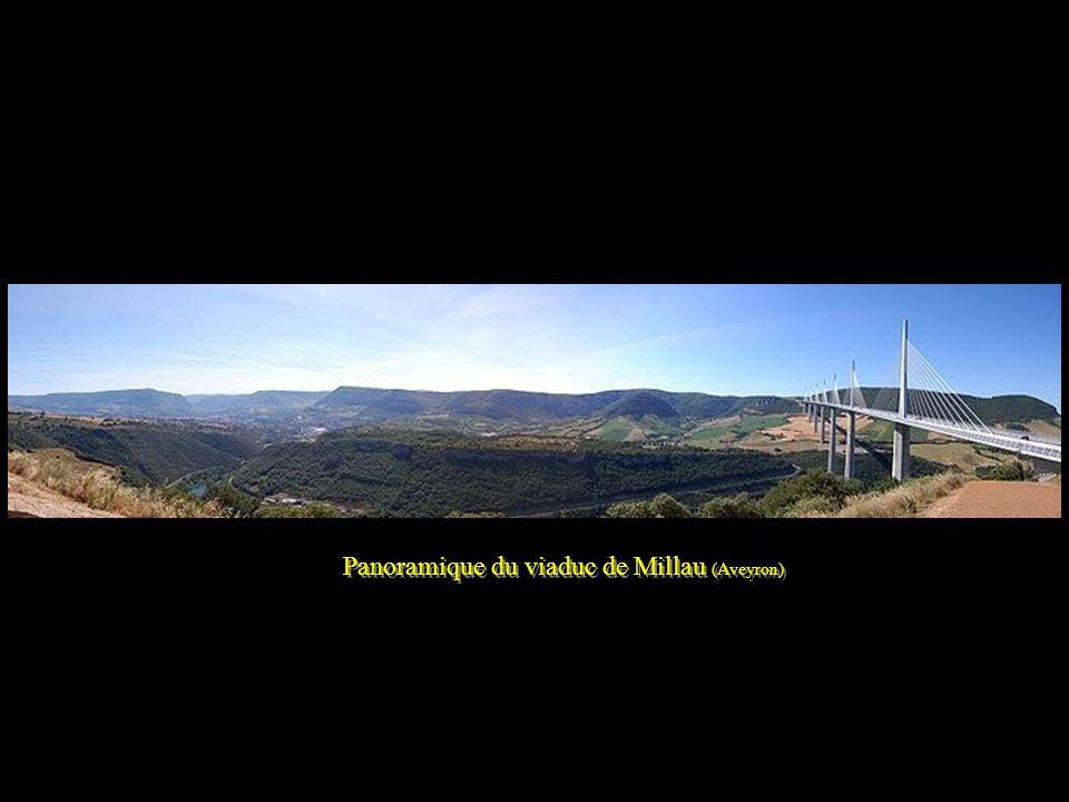 Panoramique du viaduc de Millau (Aveyron)