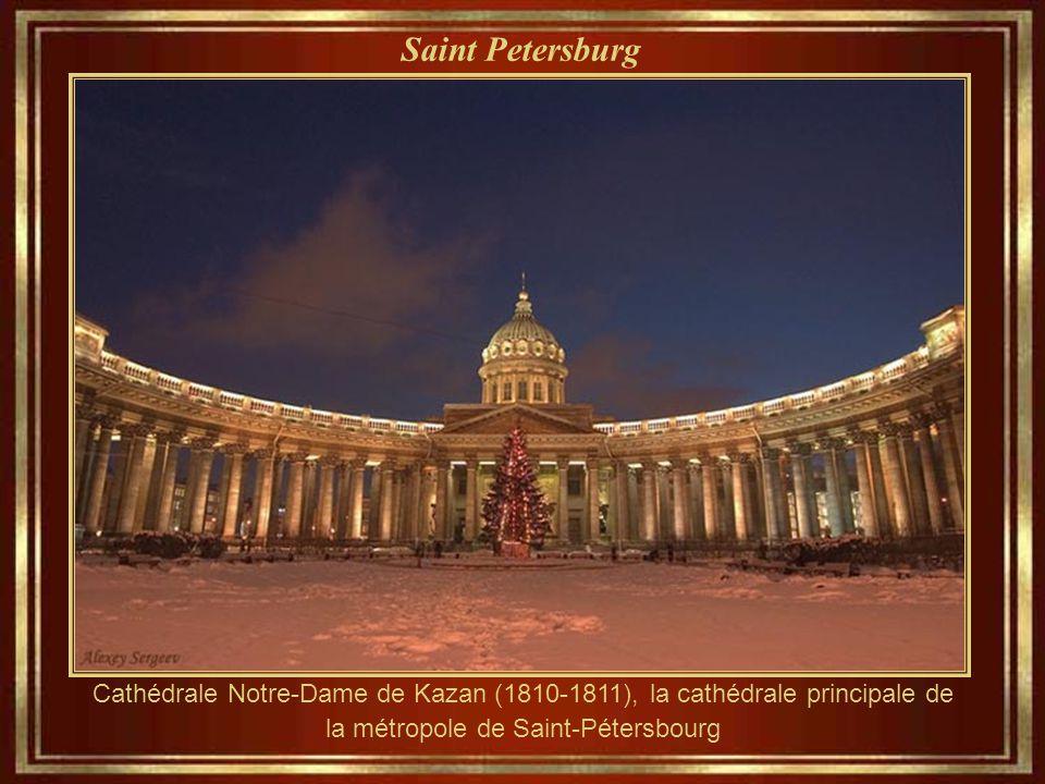 Saint Petersburg Cathédrale Notre-Dame de Kazan (1810-1811), la cathédrale principale de la métropole de Saint-Pétersbourg.