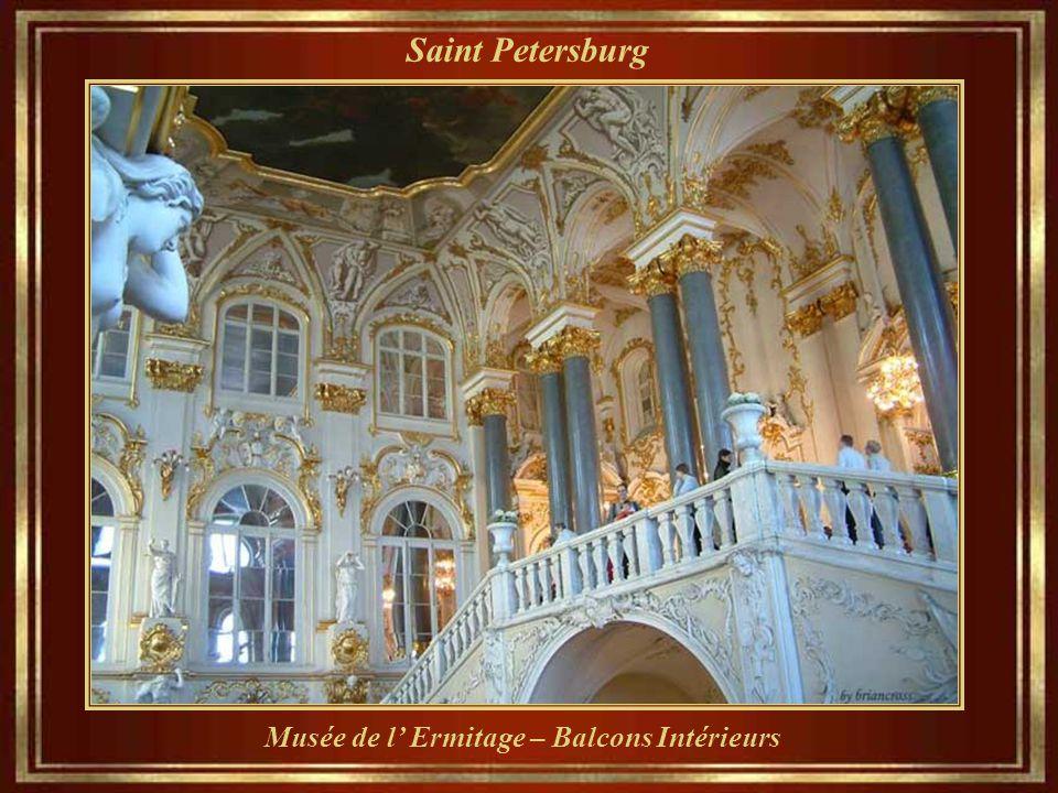 Saint Petersburg Musée de l' Ermitage – Balcons Intérieurs