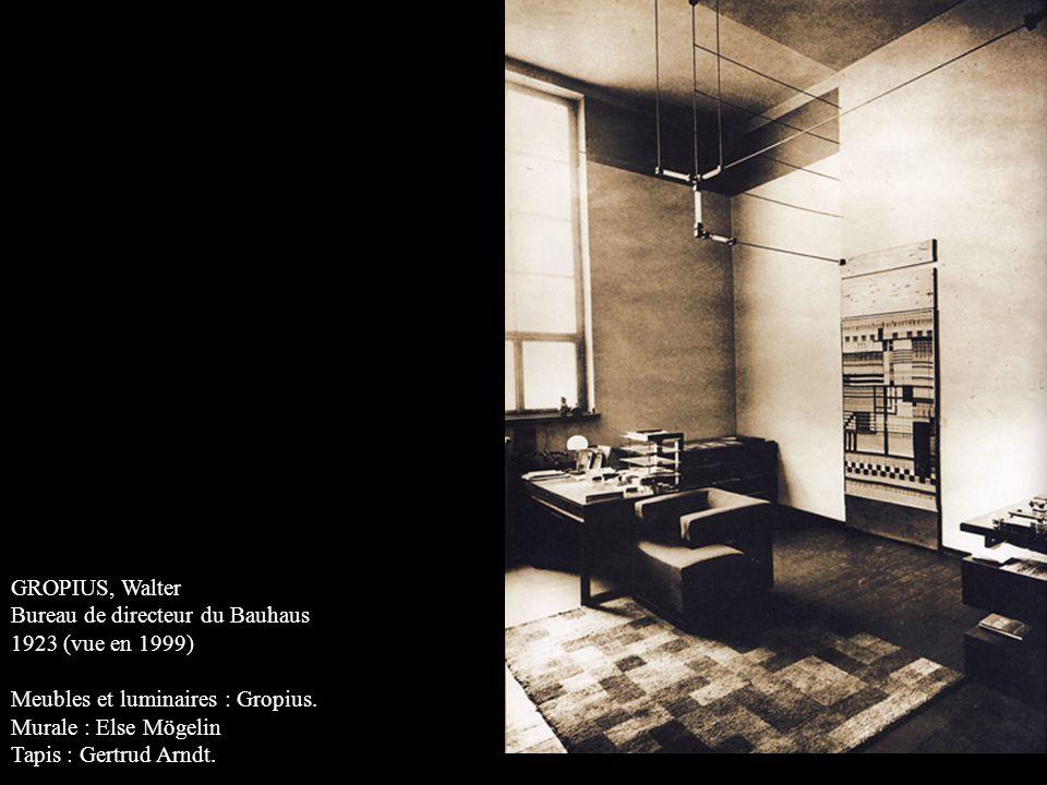 GROPIUS, Walter Bureau de directeur du Bauhaus. 1923 (vue en 1999) Meubles et luminaires : Gropius.