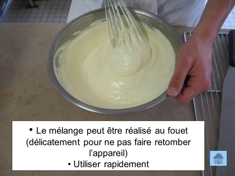 Le mélange peut être réalisé au fouet (délicatement pour ne pas faire retomber l'appareil)