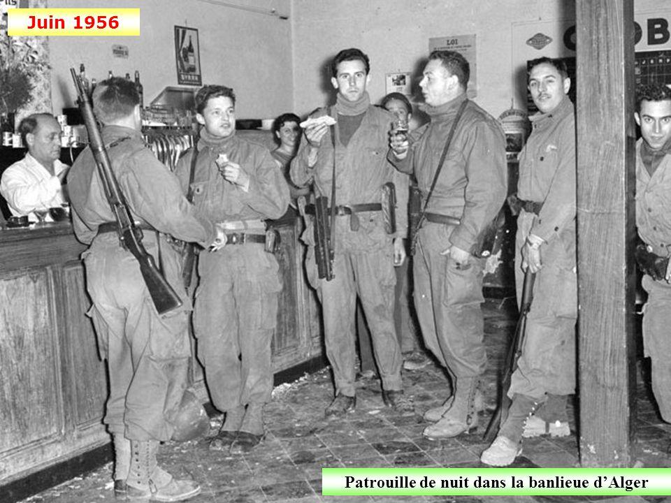 Patrouille de nuit dans la banlieue d'Alger