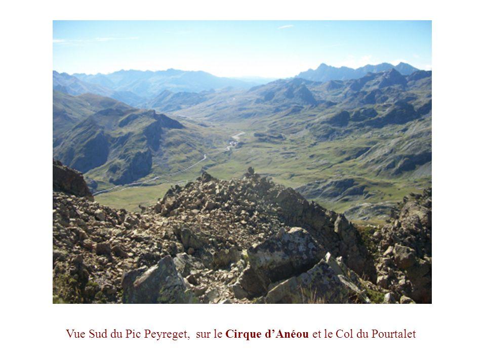 Vue Sud du Pic Peyreget, sur le Cirque d'Anéou et le Col du Pourtalet