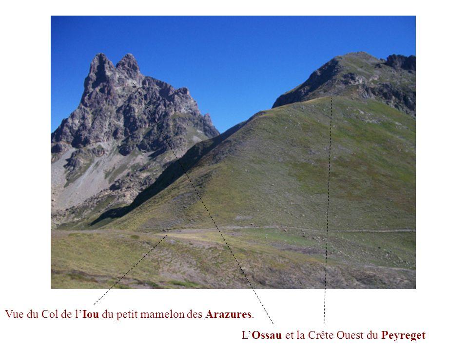 Vue du Col de l'Iou du petit mamelon des Arazures.