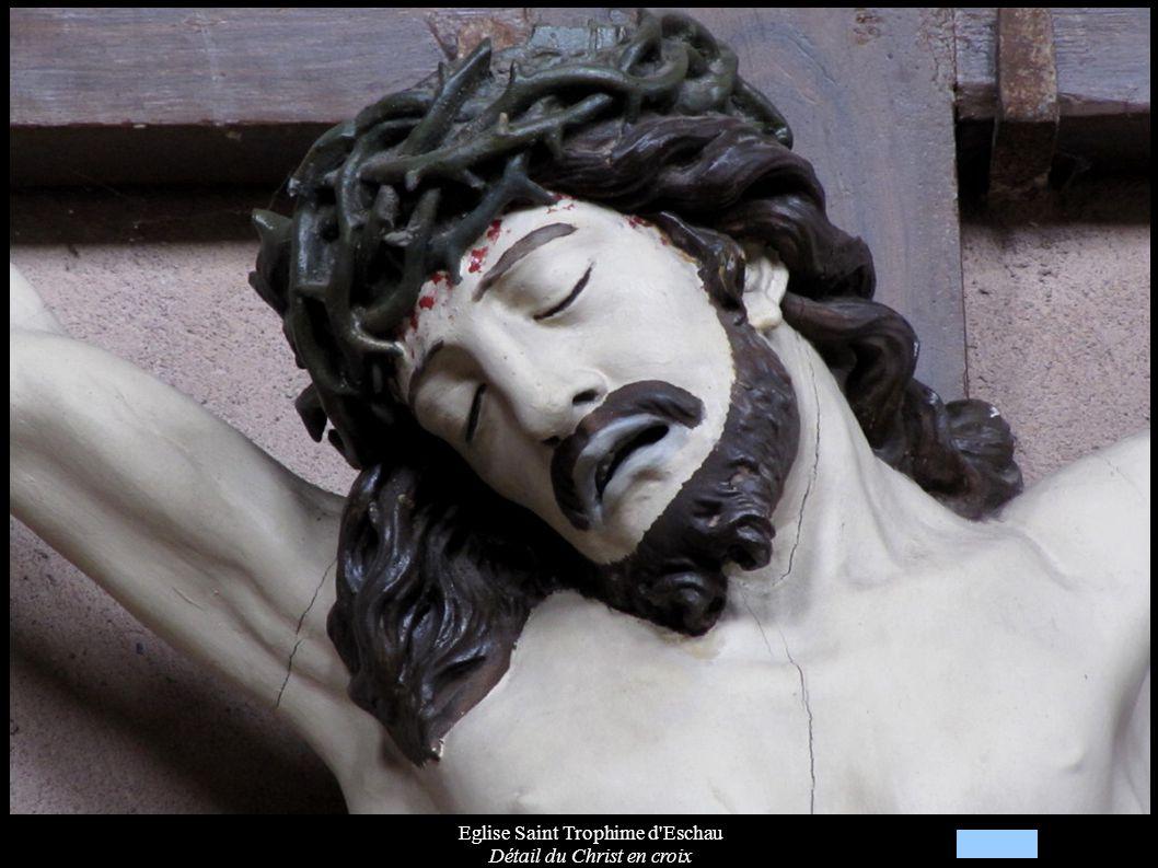 Eglise Saint Trophime d Eschau Détail du Christ en croix