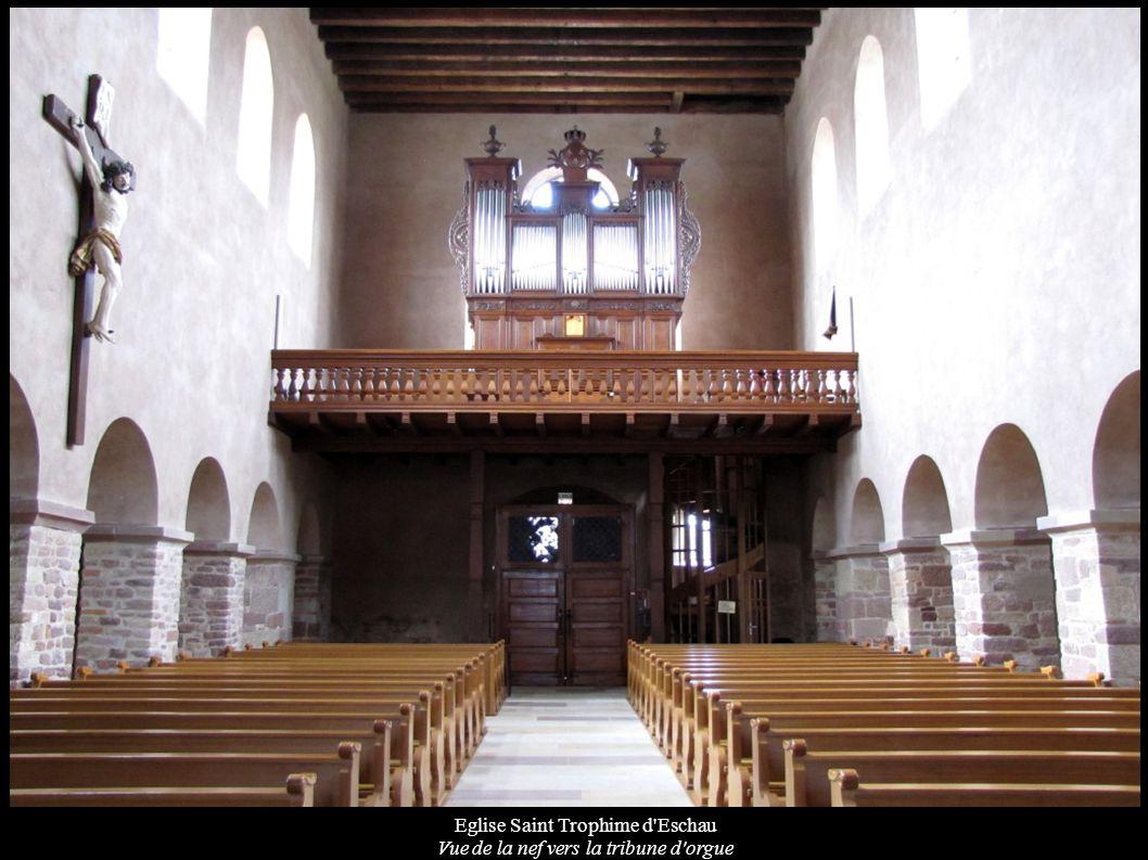 Eglise Saint Trophime d Eschau Vue de la nef vers la tribune d orgue