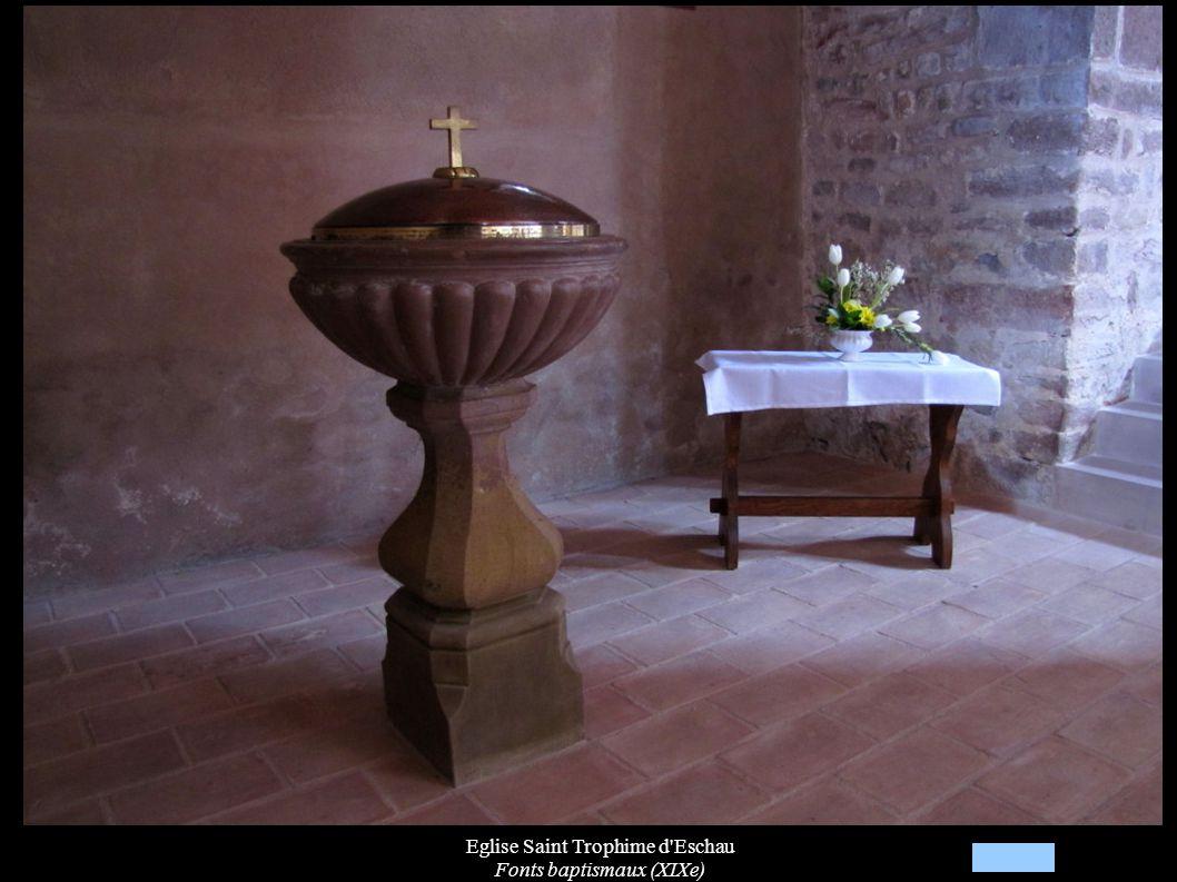 Eglise Saint Trophime d Eschau Fonts baptismaux (XIXe)