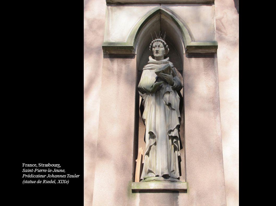 France, Strasbourg, Saint-Pierre-le-Jeune, Prédicateur Johannes Tauler. (statue de Riedel, XIXe) 11.