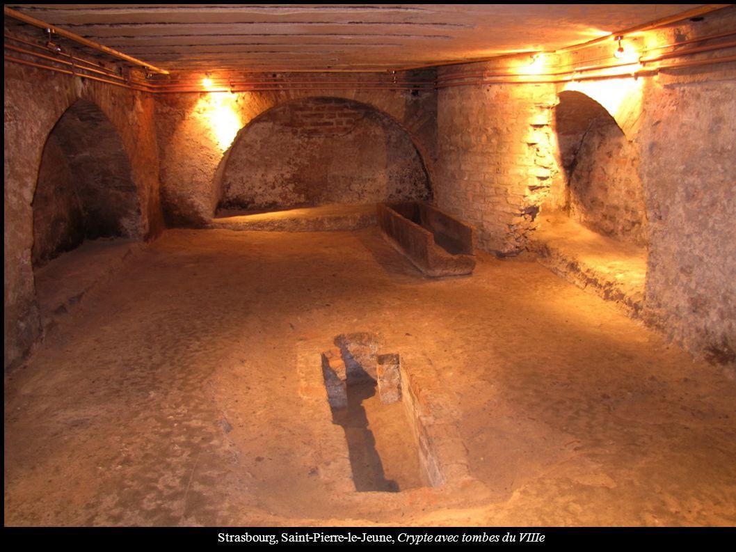 Strasbourg, Saint-Pierre-le-Jeune, Crypte avec tombes du VIIIe