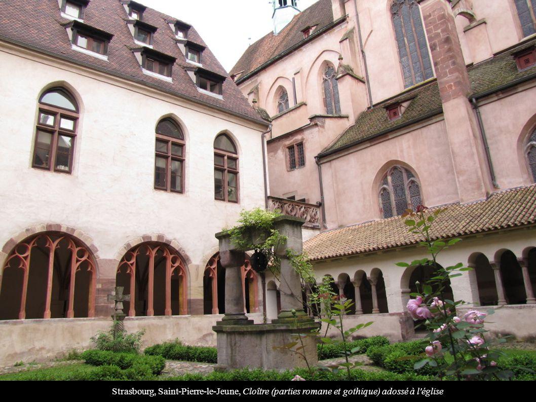 Strasbourg, Saint-Pierre-le-Jeune, Cloître (parties romane et gothique) adossé à l église