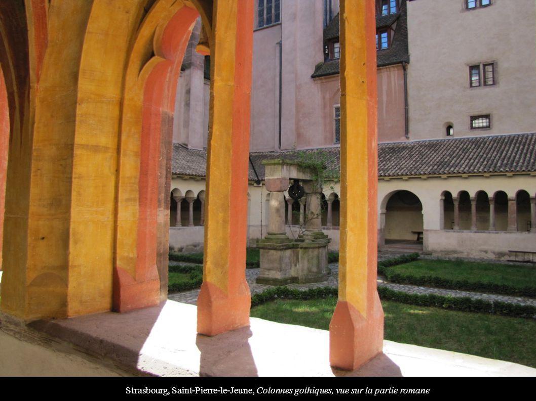 Strasbourg, Saint-Pierre-le-Jeune, Colonnes gothiques, vue sur la partie romane