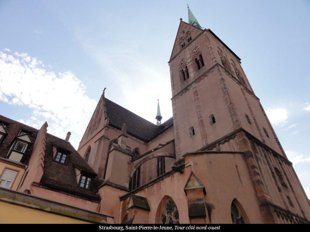 Strasbourg, Saint-Pierre-le-Jeune, Tour côté nord-ouest