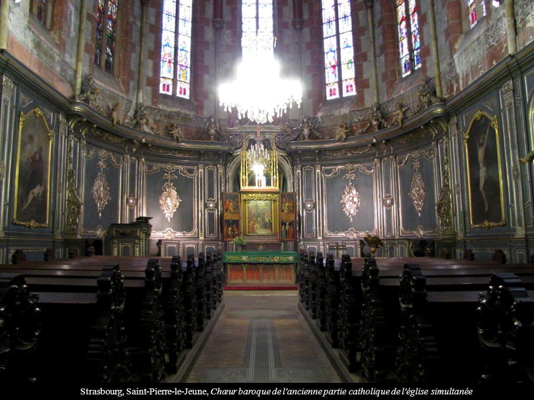 Strasbourg, Saint-Pierre-le-Jeune, Chœur baroque de l ancienne partie catholique de l église simultanée