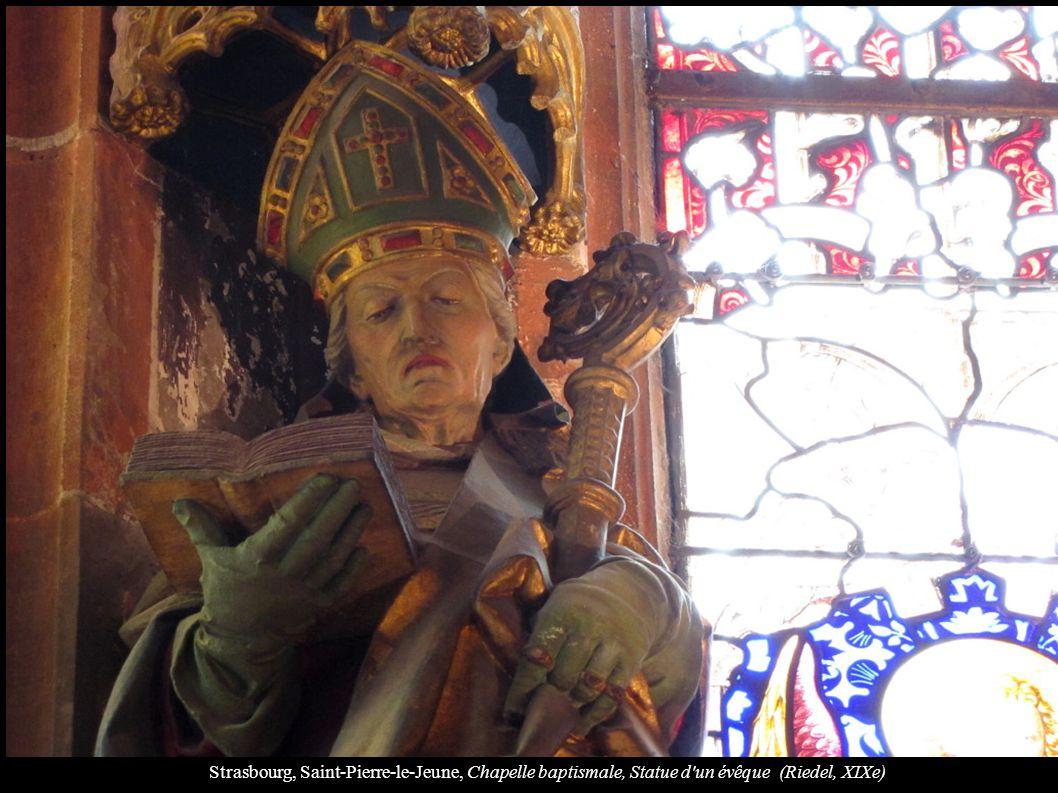 Strasbourg, Saint-Pierre-le-Jeune, Chapelle baptismale, Statue d un évêque (Riedel, XIXe)