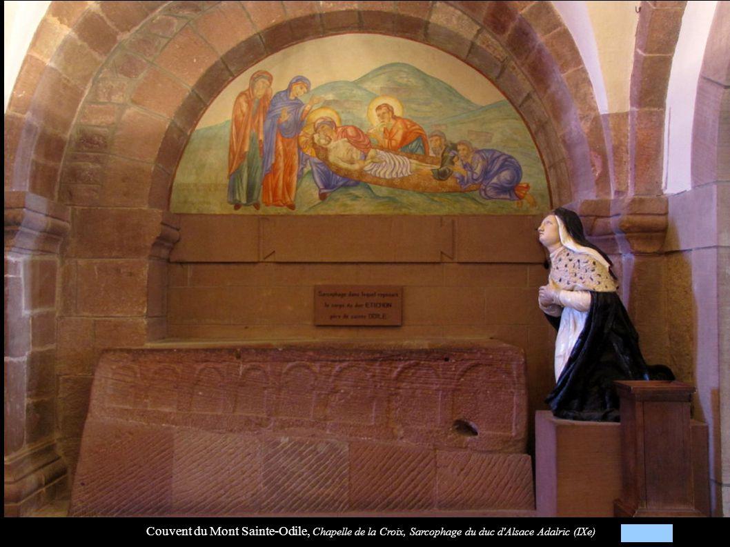 Couvent du Mont Sainte-Odile, Chapelle de la Croix, Sarcophage du duc d Alsace Adalric (IXe)
