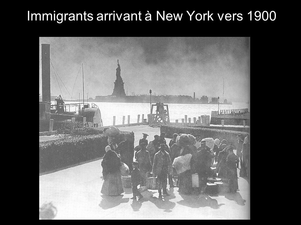 Immigrants arrivant à New York vers 1900