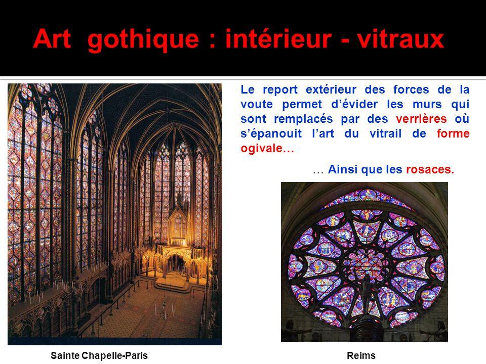 Art gothique : intérieur - vitraux