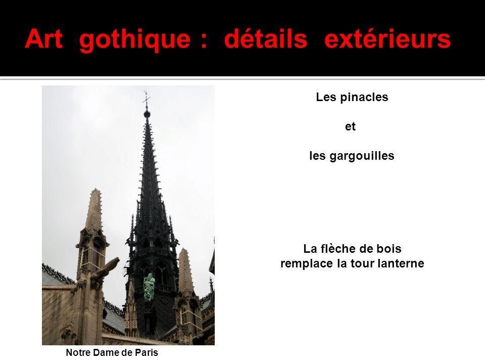 Art gothique : détails extérieurs remplace la tour lanterne