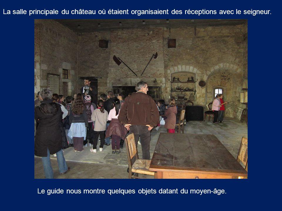 La salle principale du château où étaient organisaient des réceptions avec le seigneur.