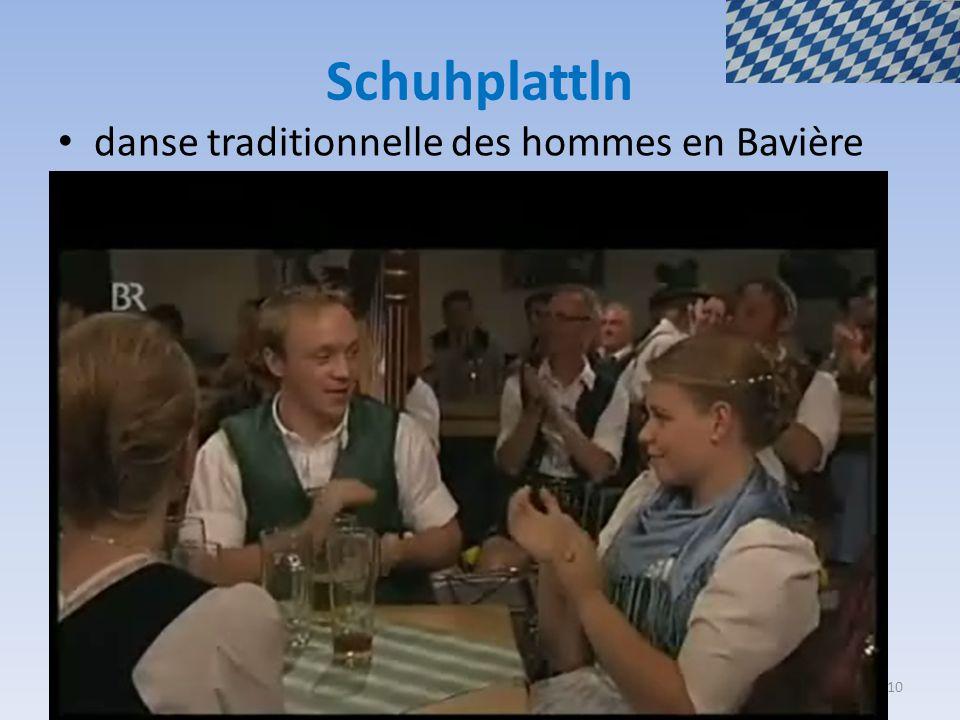 Schuhplattln danse traditionnelle des hommes en Bavière