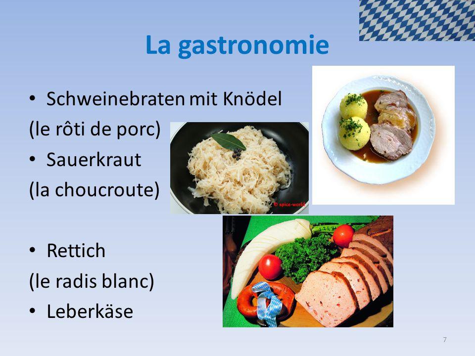 La gastronomie Schweinebraten mit Knödel (le rôti de porc) Sauerkraut