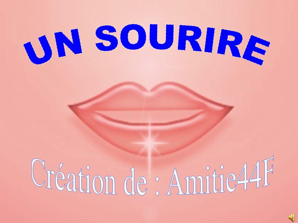 UN SOURIRE Création de : Amitie44F