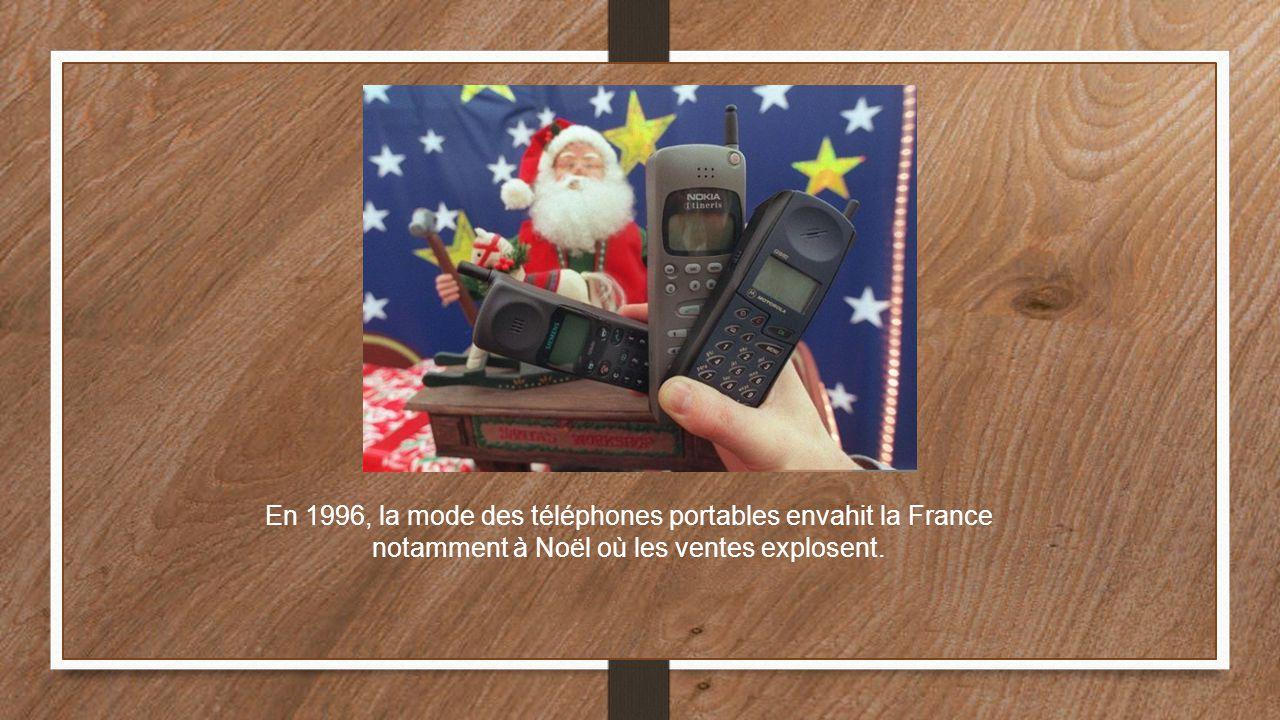 En 1996, la mode des téléphones portables envahit la France notamment à Noël où les ventes explosent.