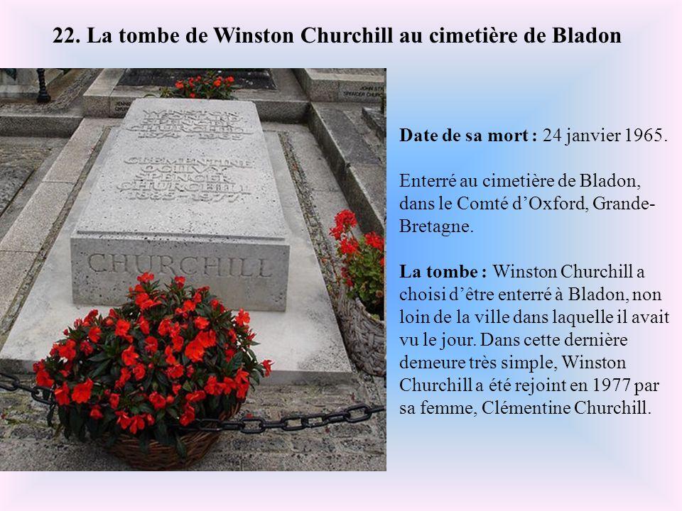 22. La tombe de Winston Churchill au cimetière de Bladon