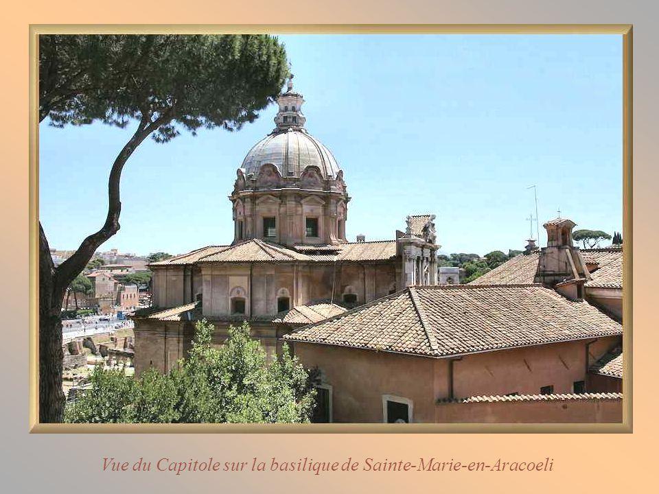 Vue du Capitole sur la basilique de Sainte-Marie-en-Aracoeli