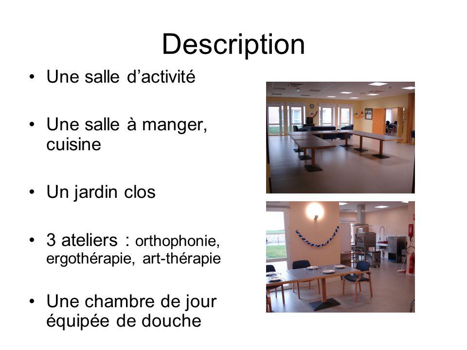 Description Une salle d'activité Une salle à manger, cuisine